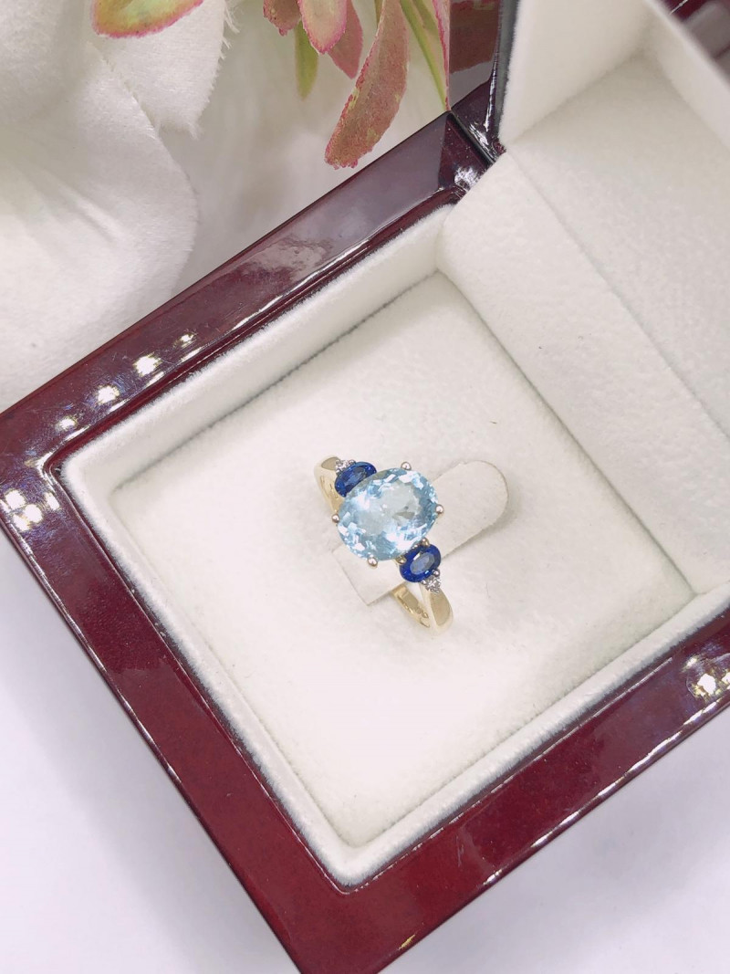 Multi Diamond, Ceylon Sapphire, Aquamarine 9K Yellow gold Ring