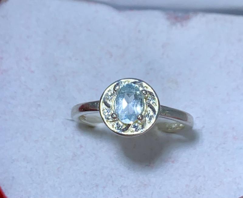 Natural 9.50 Carats sea blue Aquamarine 925 Silver Ring
