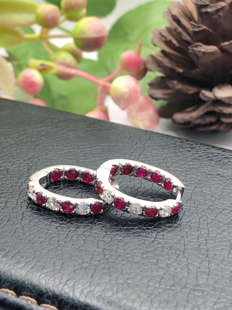 9K Yellow gold Ring Channel set Pigeon Blood Ruby, flanked diamond