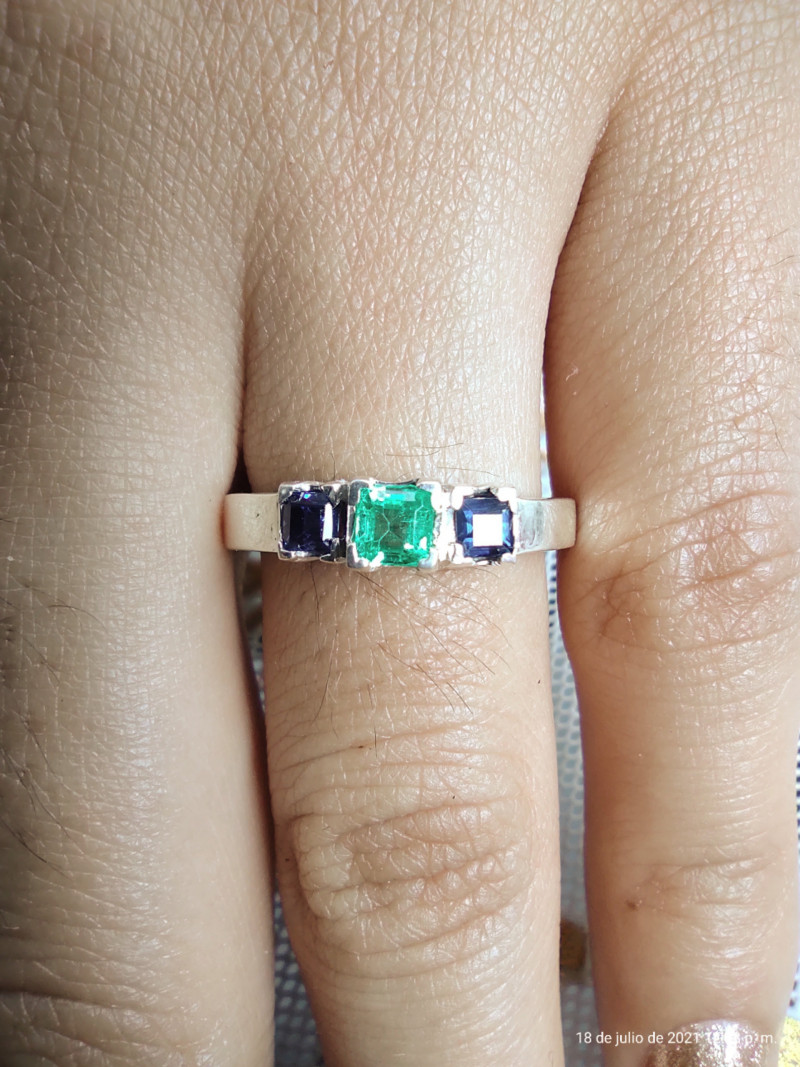 Colombian Muzo Emerald and sapphire sterling silver ring