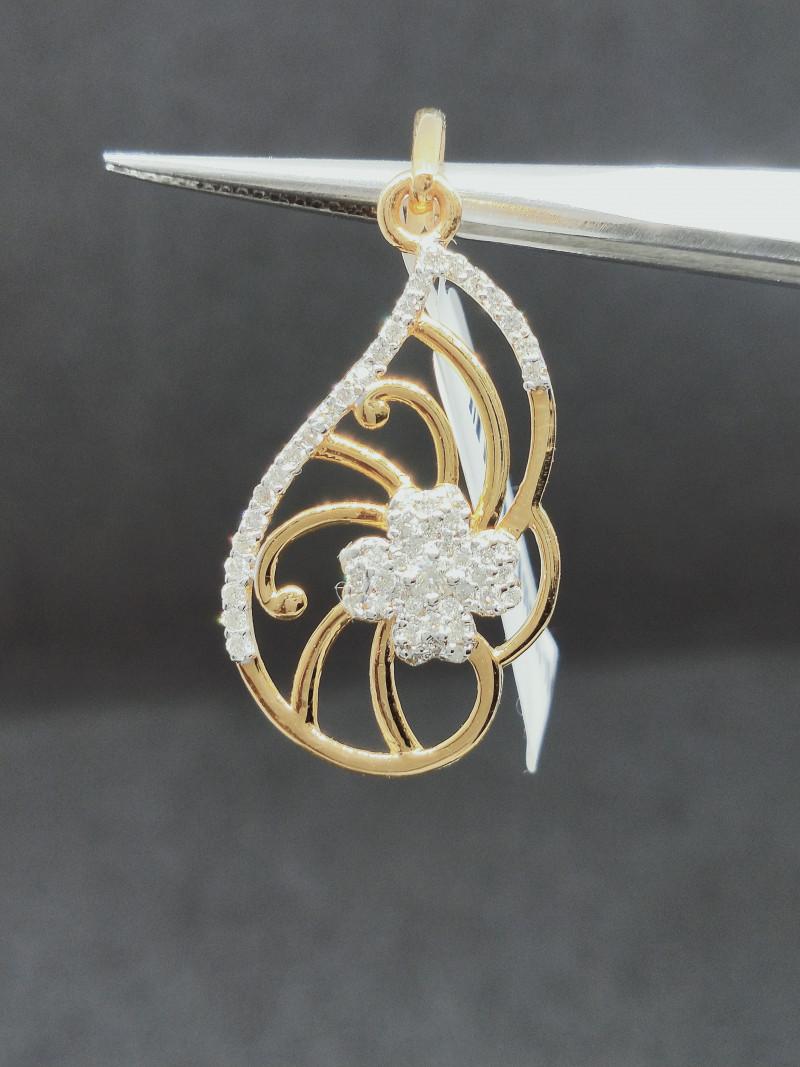 10.60 cts , Masterpiece Diamond Pendant , Round Diamonds Pendants