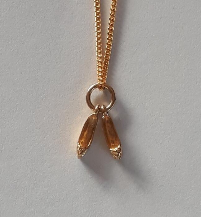 PAIR OF SLIPPERS 9K Gold Pendant  Code 1910018_2