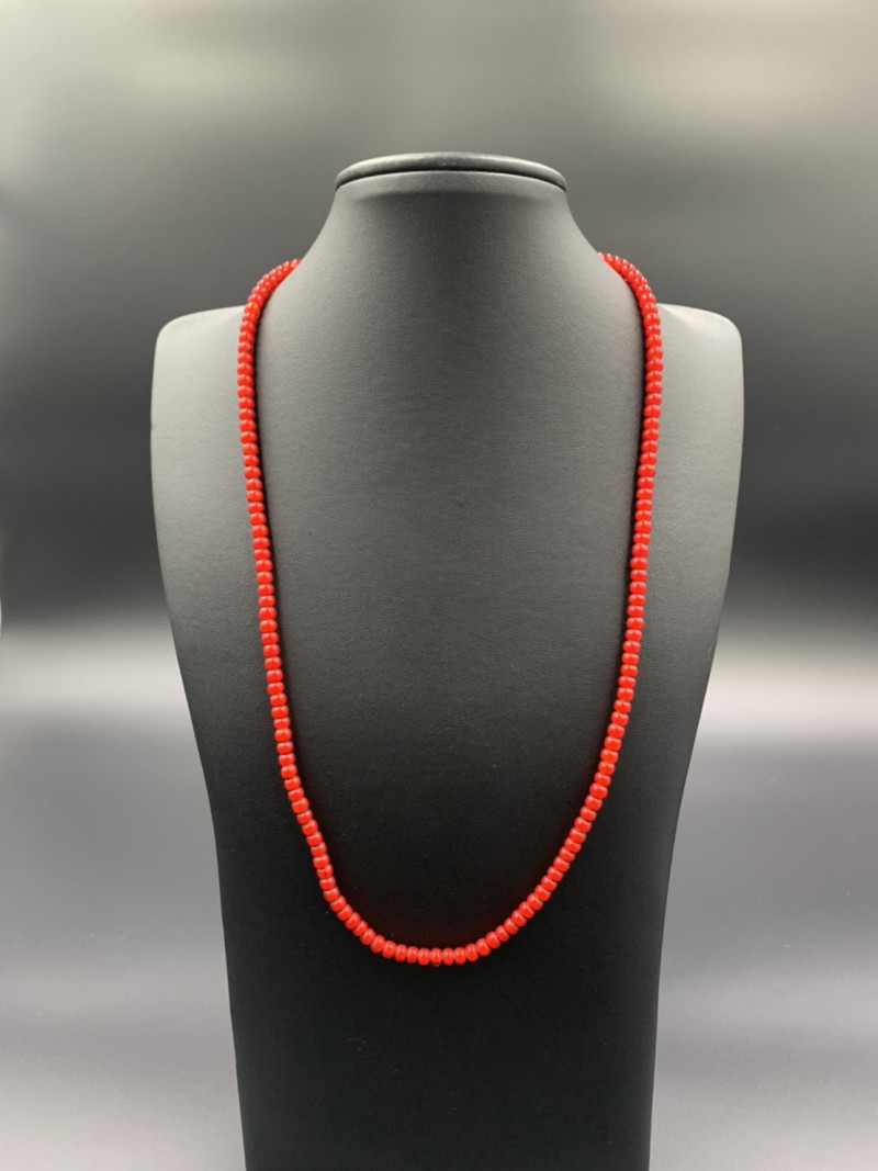 Rare Beautiful White Heart Beads Simple Necklace. Hb-648