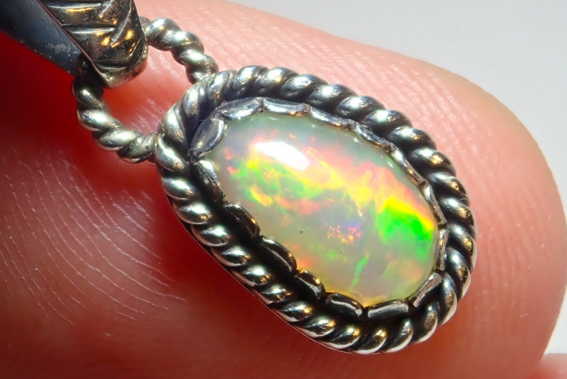 7.17ct Natural Ethiopian Welo Opal .925 Sterling Silver