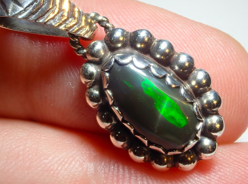 12.55ct Natural Ethiopian Welo Opal .925 Sterling Silver