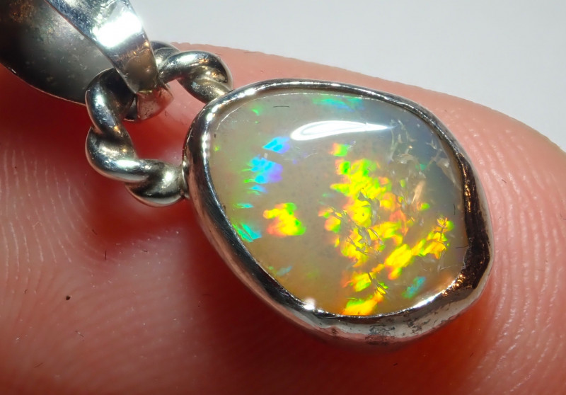 6.82ct Natural Ethiope Welo Opal .925 Sterling Silver