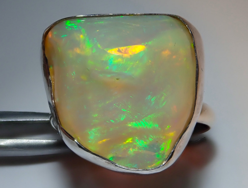 9.25size Natural Ethiopian Welo Opal .925 Sterling Silver