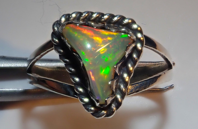 7.25size Natural Ethiopian Welo Opal .925 Sterling Silver