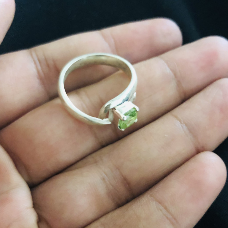 27 Carats Natural Mint Green Tourmaline Silver Ring