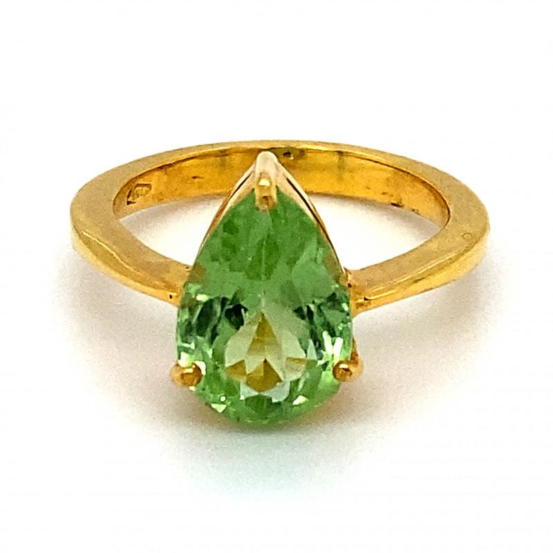 Peridot 3.05ct Solid 18K Yellow Gold Ring