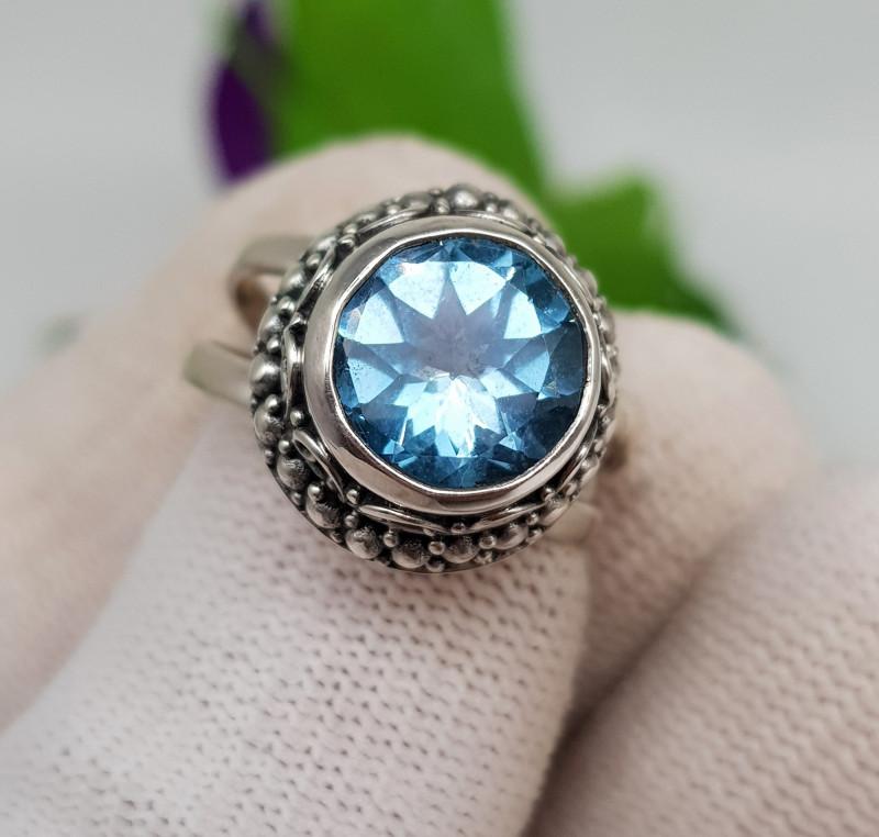 Natural Blue Topaz 29.40 Carats 925 Silver Ring