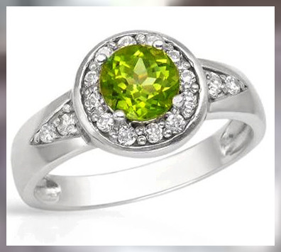 A Beautiful Apple Green Peridot ~ 925 SS ~ Size 8