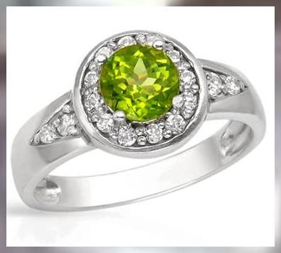 A Beautiful Apple Green Peridot ~ 925 SS ~ Size 8