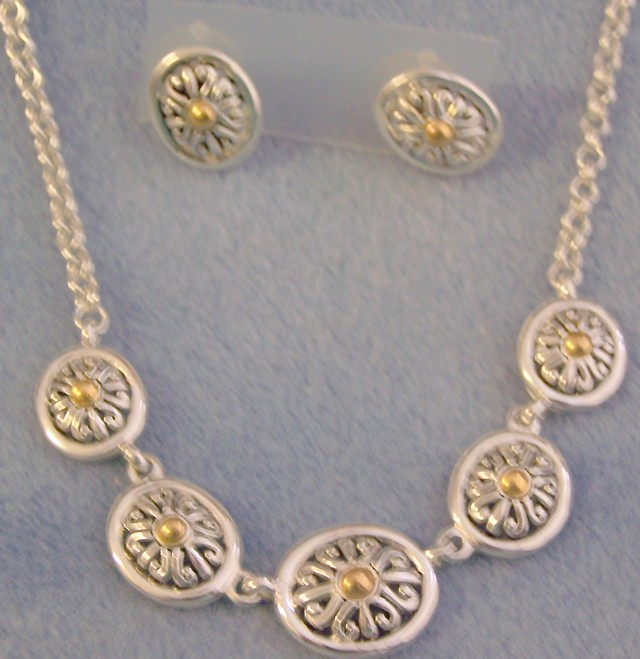 AWESOME SILVER NECKLACE & EARRING SET  W/ GOLD ACCENTS