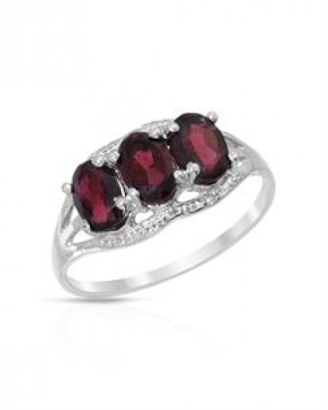 GARNET AND DIAMOND RING - SIZE 7  SET IN 925 STERLING SILVER.  THIS IS THE EXACT ITEM YOU WILL RECIEVE.