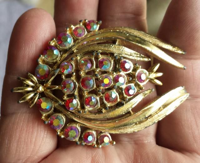 Aurora Borealis Vintage brooch Gold Tone 1950's circa