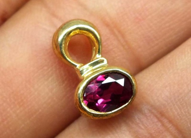 SPINEL SILVER PENDANT 6.05 CTS SJ-68
