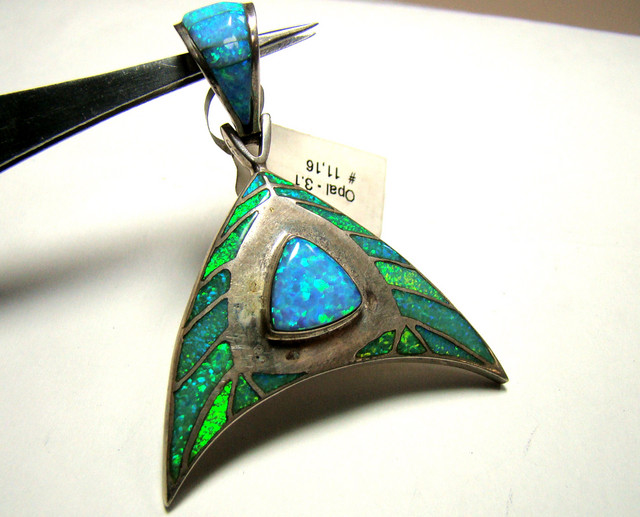 LAB GROWN OPAL INLAY PENDANT (OA1031)