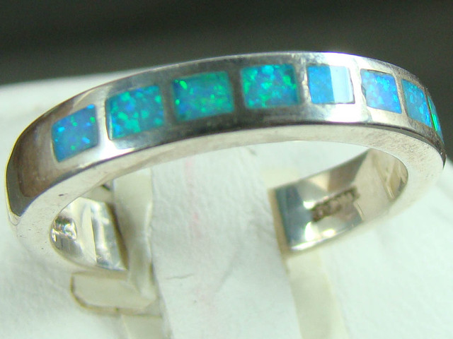 SILVER AND LAB OPAL INLAY RING SIZE 6 1/2 (OA1016)