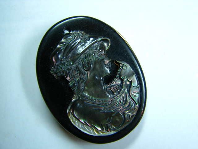 TimeLessDesigns MOTHER OF PEARL SHELL CARVING LADY