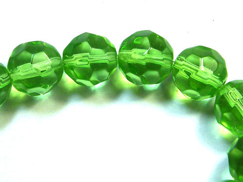 GREEN STRAND BEADS 315 CARATS PG25 ML