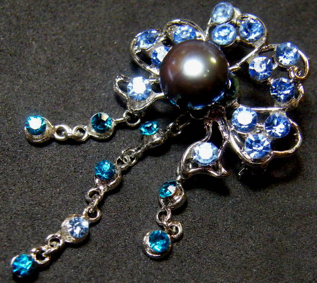 DESIGNED FRESHWATER PEARL PIN 49.5 CTS[SX06]