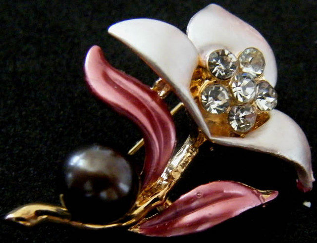 COLOURFUL FRESHWATER PEARL PIN 40 CTS[SXB]