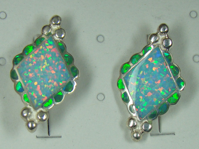 LAB OPAL INLAY EARRINGS  DO-156