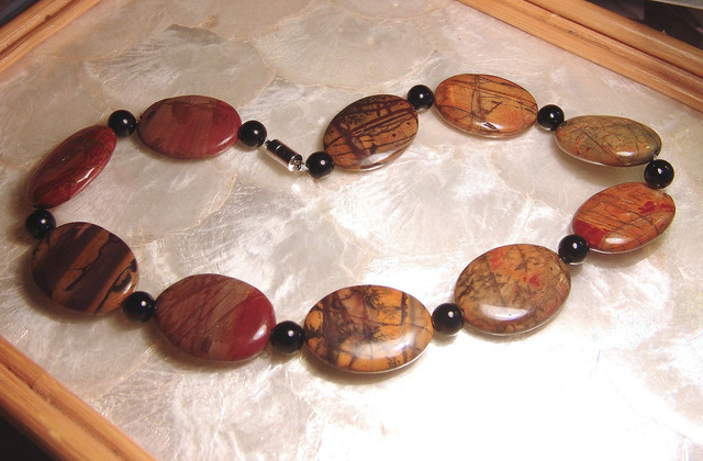 Elegant Pictured Jasper and Black Onyx Necklace 21 inches