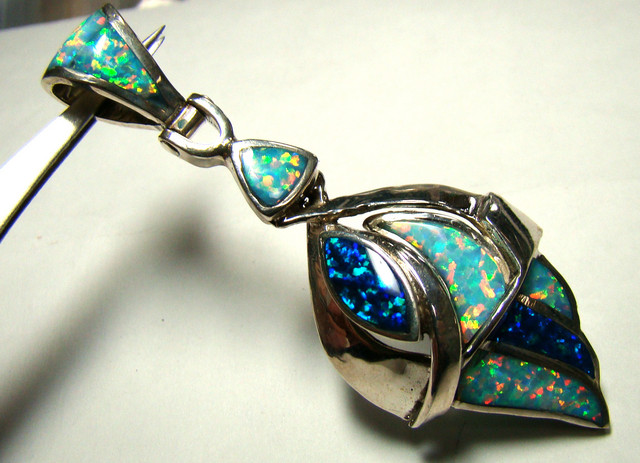 LAB OPAL INLAY PENDANT (OA1037)