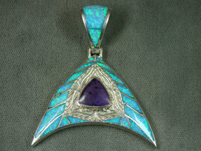 LAB OPAL W/SUGILITE PENDANT  DO-158
