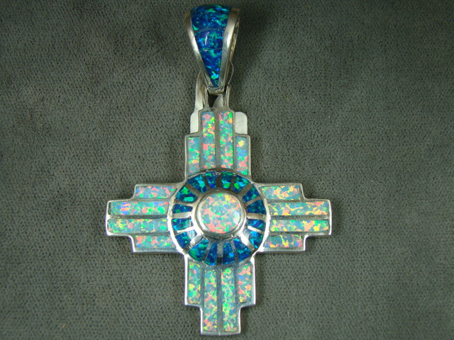 LAB OPAL INLAY PENDANT  DO-153
