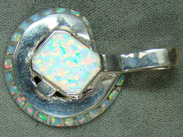 LAB OPAL INLAY & SILVER PENDANT  DO-172