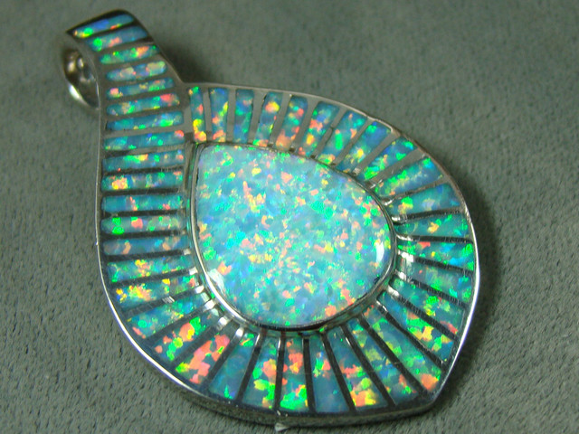 LAB OPAL INLAY PENDANT  DO-177