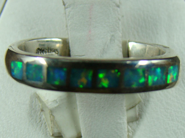 SILVER AND LAB OPAL INLAY RING SIZE 6 1/2 (OA1011)