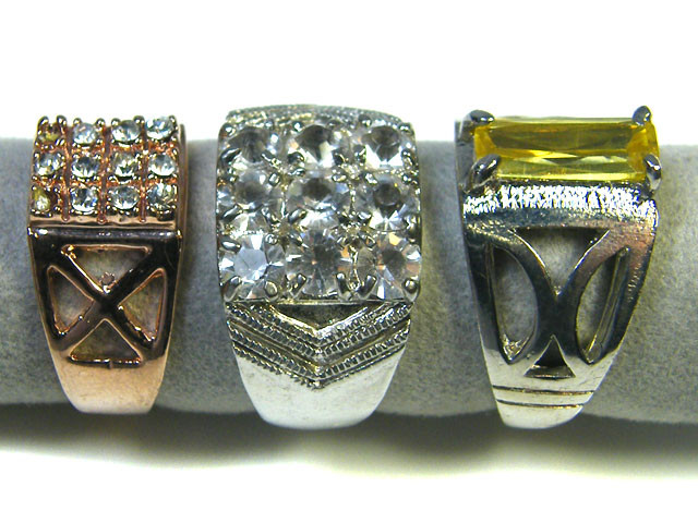 RE SELLERS DEAL THREE RINGS SIZE 6.5   TR 801