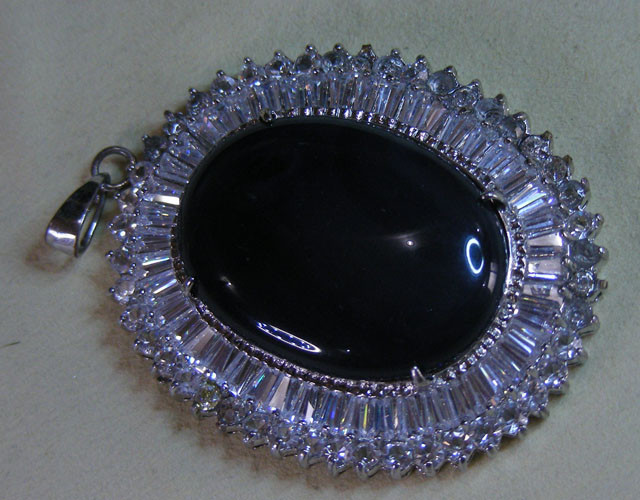 JET BLACK CRYSTAL GEM IN LARGE PENDANT 11720