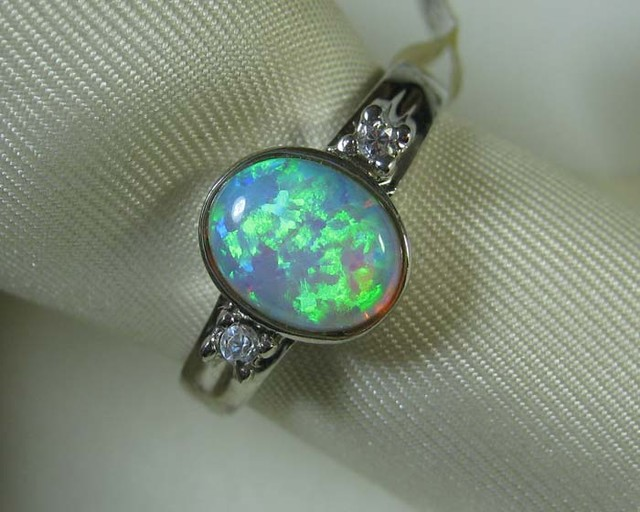 925 SILVER SYNTHETIC CRYSTAL OPAL RING size 8 #LSSR3/123