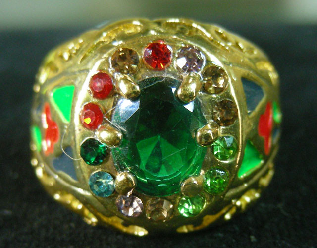 COLOURFUL ATTRACTIVE  MULTI  RING SIZE 19  11598