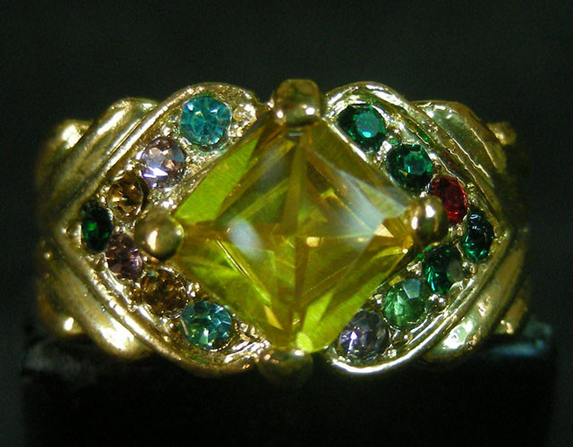 COLOURFUL ATTRACTIVE  MULTI  RING SIZE 19  11600