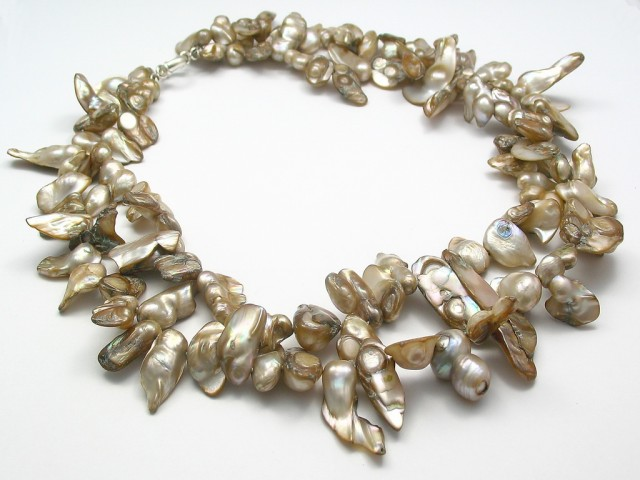 Striking Tooth Pearl Double-Strand Necklace