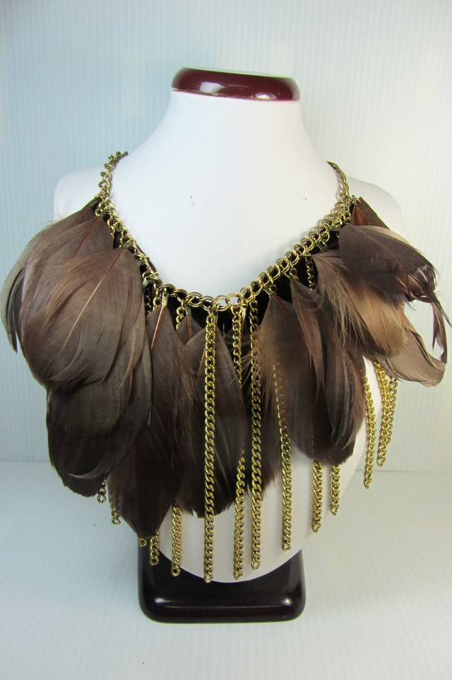 FASHION BROWN FEATHER STYLE NECKLACE QT 256