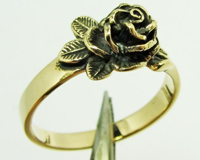 ROSE FLOWER BRONZE RING SIZE 7 QT704