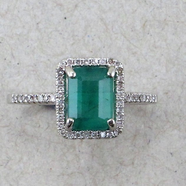Columbian Emerald set in White Gold