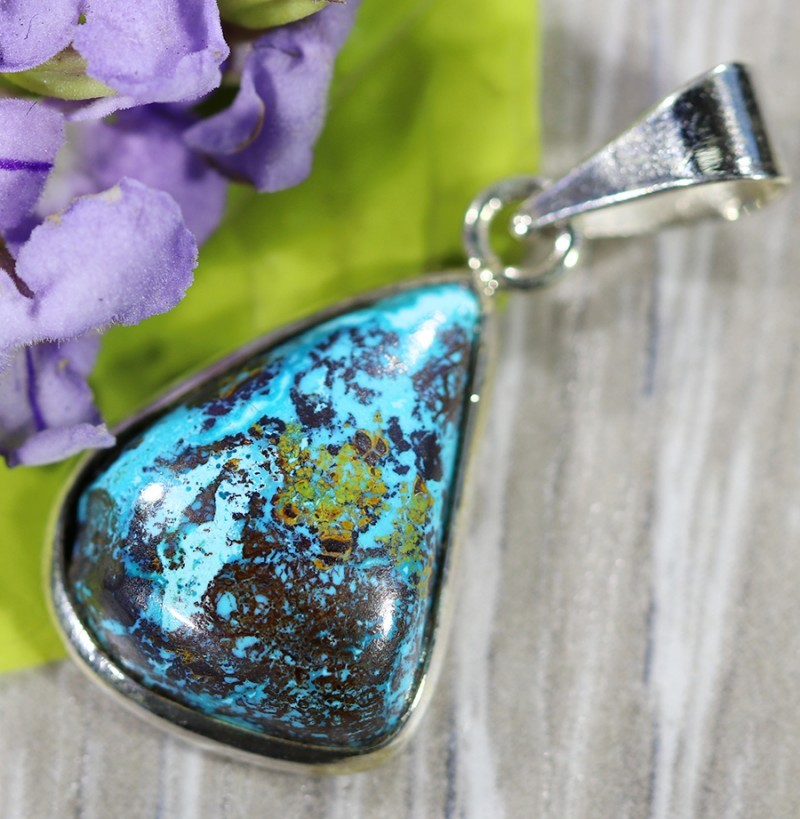 Beautiful natural Pendant , Chrysolla from Arizona SU698