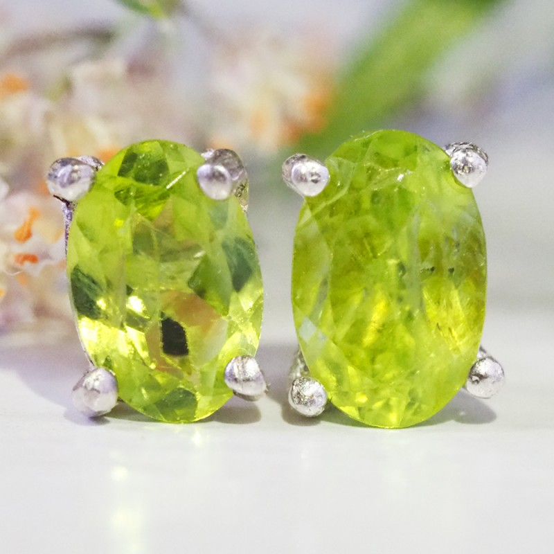 Natural Bright Peridot  Silver Earrings WS 53
