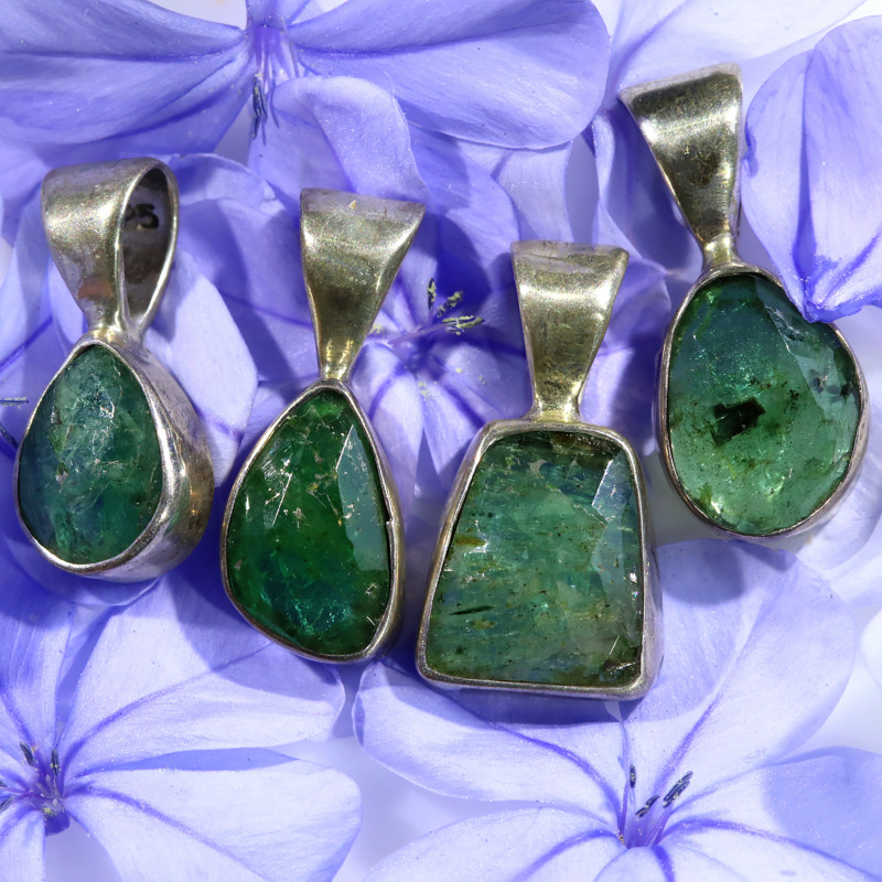 26.95 CTS EMERALD NATURAL PENDANTS-FACTORY DIRECT[SJ1591]