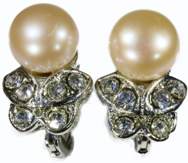 french clip Natural Pearl EarringsPPP 1245