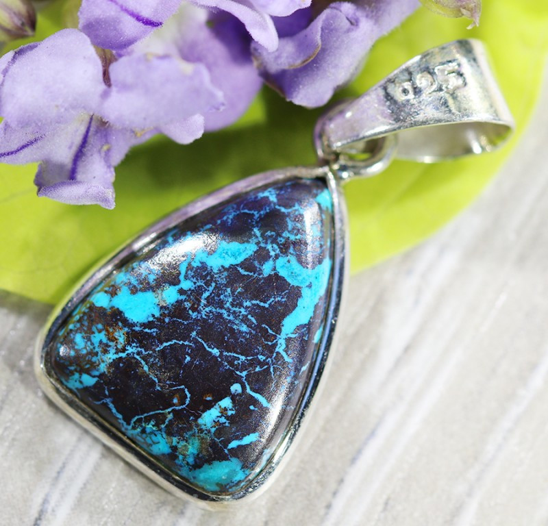 Beautiful natural Pendant , Chrysolla from Arizona SU693