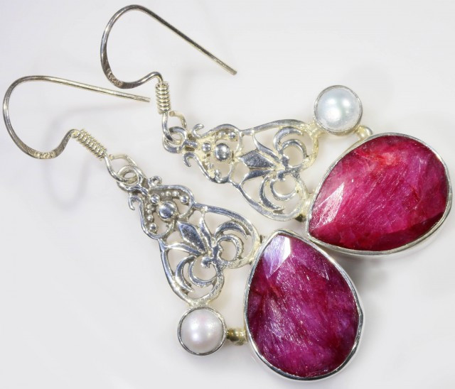 STUNNING RUBY WITH PEARL EARRINGS SB 455